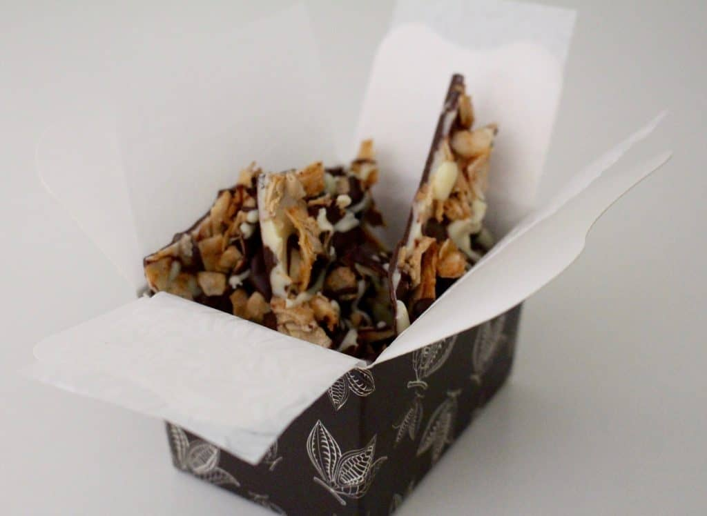 amy-levin-raw-chocolate-coconut-bark-box